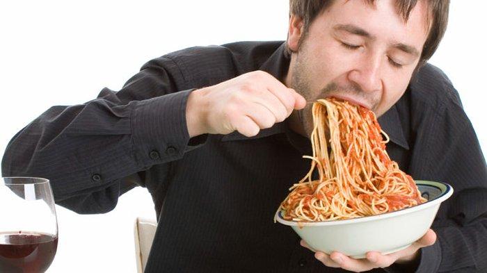 Inilah Resiko Dari Cara Makan Yang Terlalu Cepat, Sebaiknya Dihentikan Ya Guys!